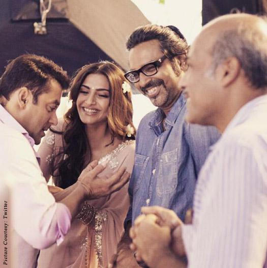 Salman Khan, Sonam Kapoor, Avinash Gowariker and Sooraj Barjatya on the sets of movie 'Prem Ratan Dhan Payo'