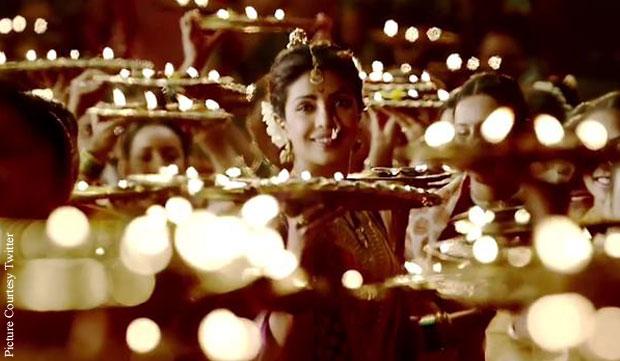 Priyanka Chopra in a still from movie 'Bajirao Mastani'