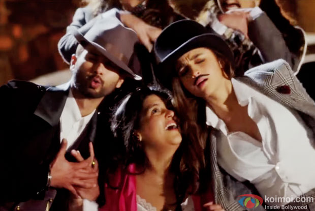 Shahid Kapoor and Alia Bhatt in a 'Gulaabo' song still from movie 'Shaandaar'