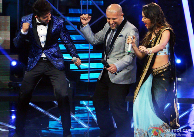 Hussain Kuwajerwala, Vishal Dadlani and Asha Negi during the Indian Idol Junior Grand Finale
