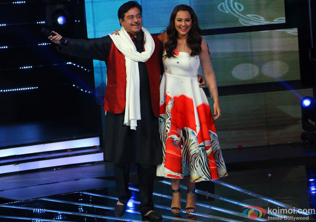 Shatrughan Sinha and Sonakshi Sinha during the Indian Idol Junior Grand Finale