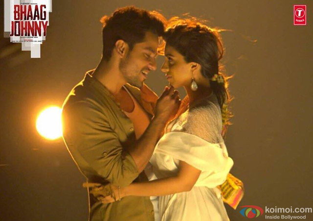 Kunal Kemmu and Zoa Morani in a 'Kinna Sona' song still from movie 'Bhaag Johnny'
