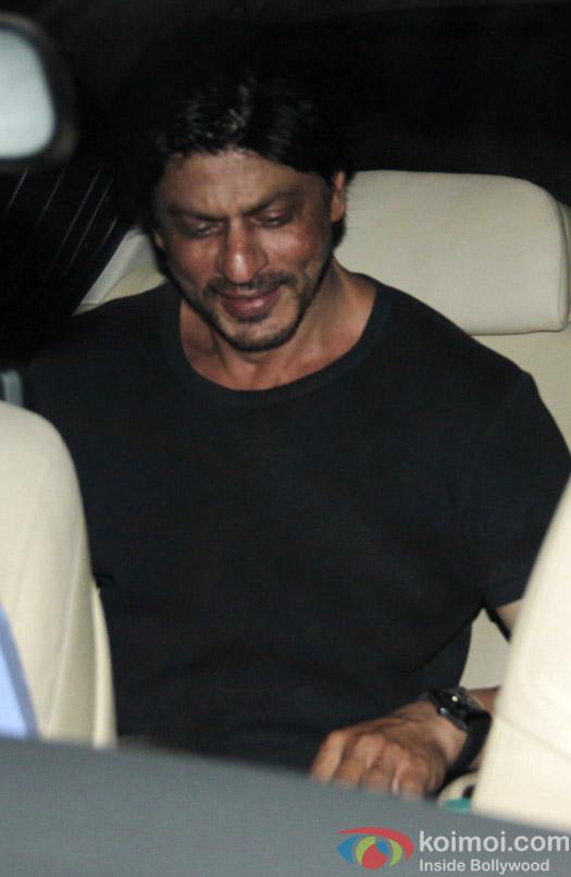 Shah Rukh Khan spotted at olive bar in bandra