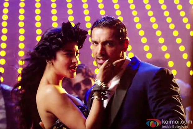 Shruti Hassan and John Abraham in a still from movie 'Welcome Back'