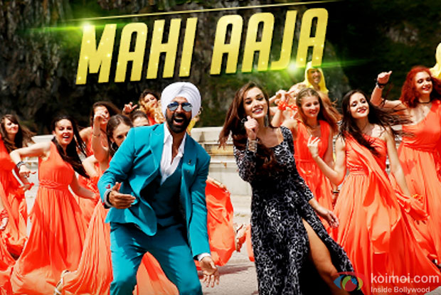Akshay Kumar and Amy Jackson in a 'Mahi Aaja' song still from movie 'Singh Is Bliing'