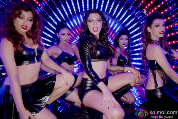 Ruhi Singh, Satarupa Pyne, Akanksha Puri, Kyra Dutt, Avani Mod and Suhel Seth starrer 'Calendar Girls' movie still