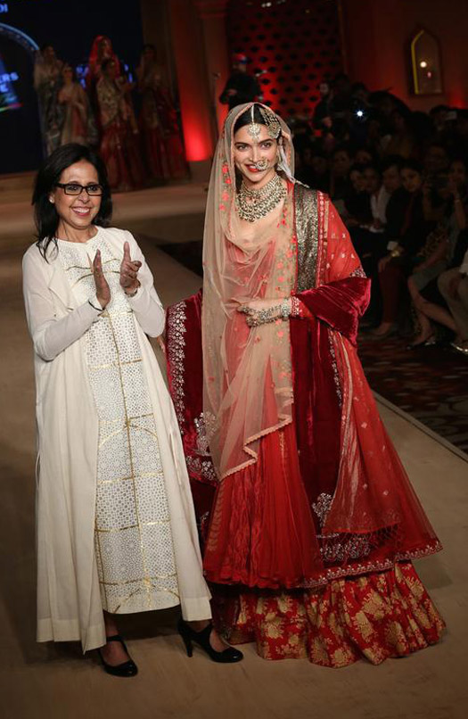 Deepika Padukone Walks The Ramp At Blenders Pride Fashion Tour 2015