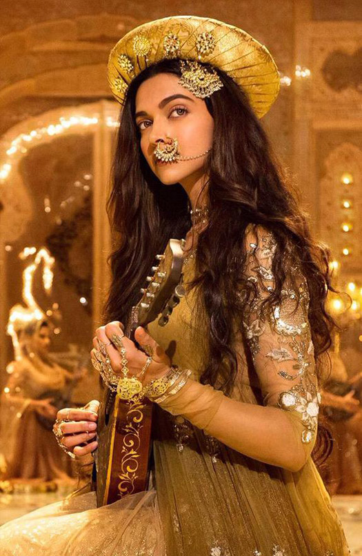 Deepika Padukone in still from movie Bajirao Mastani