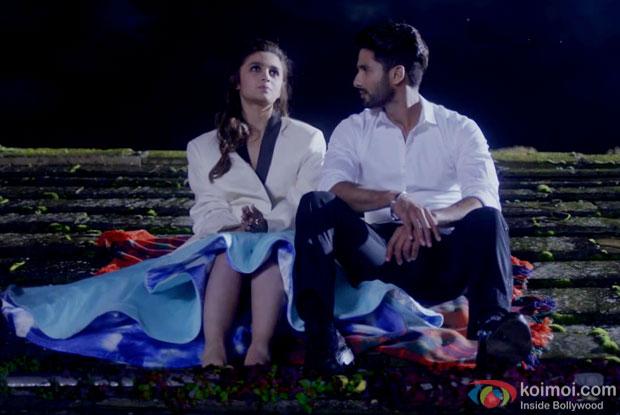 Alia Bhatt and Shahid Kapoor in a 'Neend Na Mujhko Aaye' song still from 'Shaandaar'