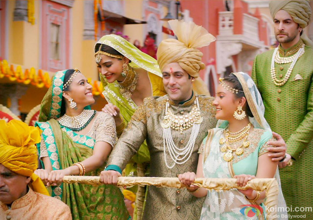 Swara Bhaskar, Sonam Kapoor, Salman Khan and Neil Nitin Mukesh in 'Prem Ratan Dhan Payo' Movie Stills