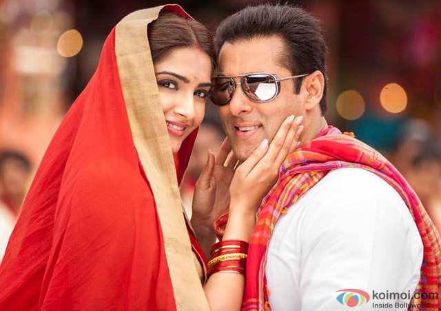 Sonam Kapoor and Salman Khan in 'Prem Ratan Dhan Payo' Movie Stills Pic 2