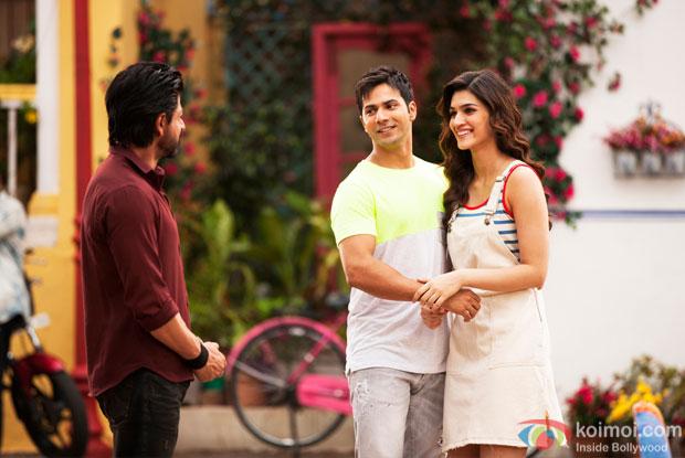 Shah Rukh Khan, Varun Dhawan and Kriti Sanon on the sets of 'Dilwale'