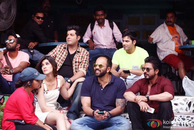Kriti Sanon, Rohit Shetty, Varun Dhawan and Shah Rukh Khan on the sets of 'Dilwale'
