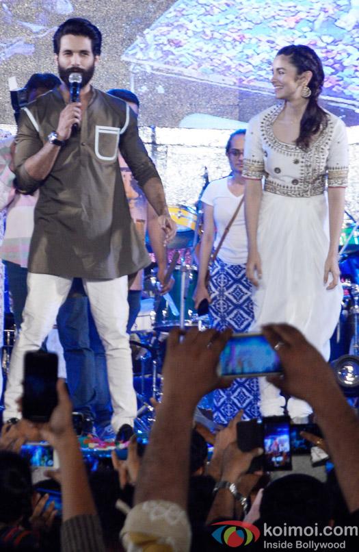 Shahid Kapoor and Alia Bhatt Perform Garba At Ghatkoper
