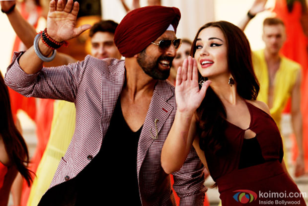 Akshay Kumar and Amy Jackson in a still from movie 'Singh Is Bliing'