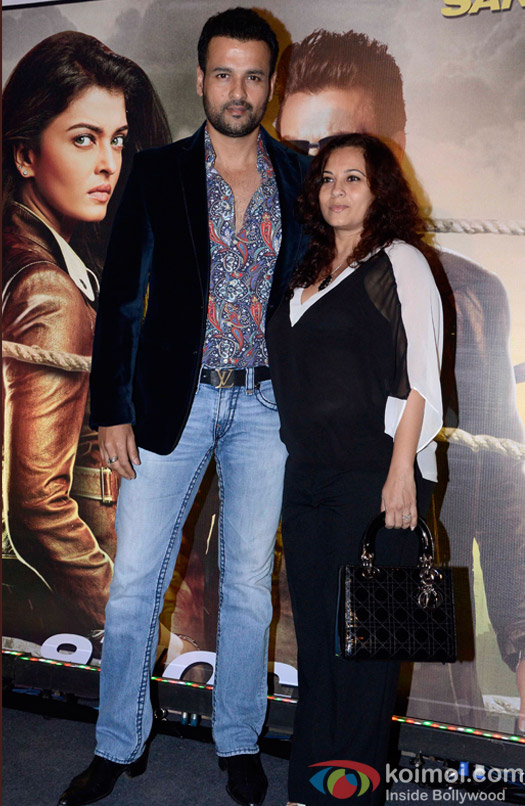 Rohit Roy and  Manasi during the Special Screening of movie Jazbaa