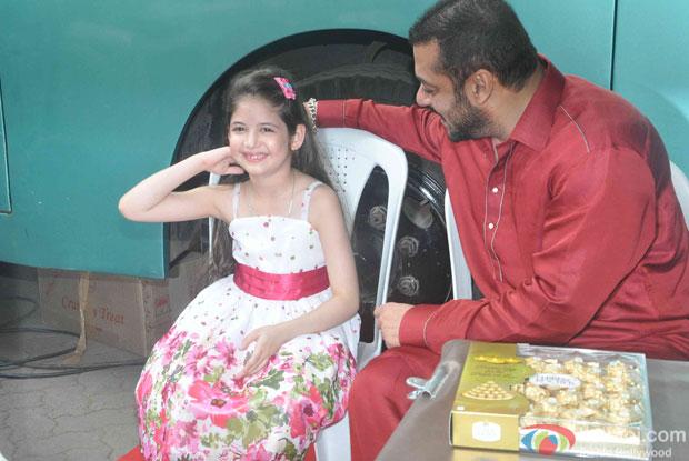 Salman Khan and Harshaali Malhotra spotted at Mehboob studio
