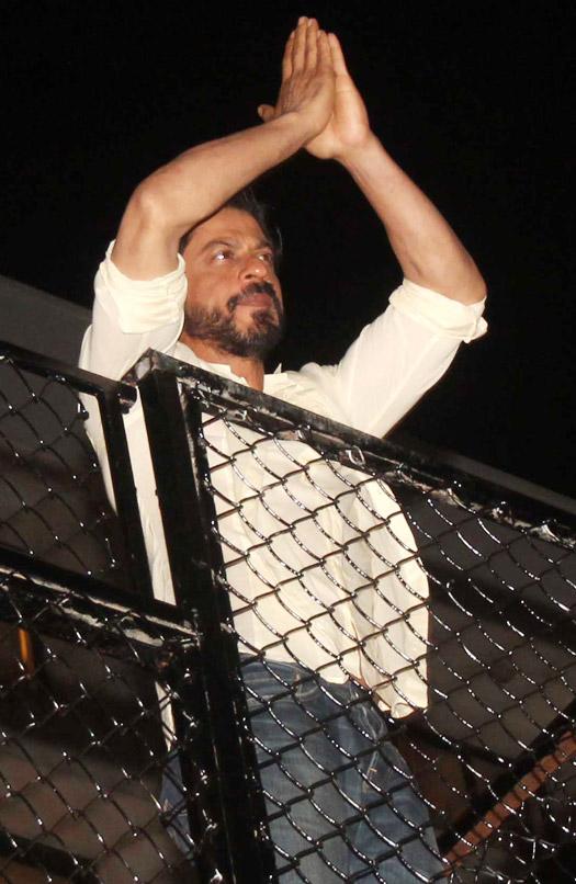 Shah Rukh Khan Celebrating His 50th Birthday