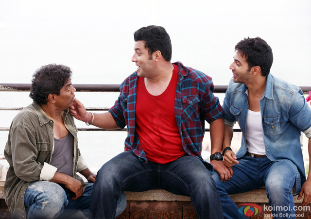 Johnny Lever, Varun Sharma And Varun Dhawan In 'Dilwale' Movie Stills Pic 1