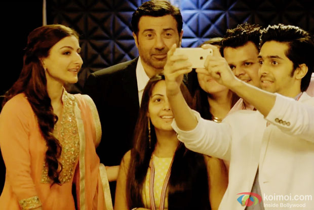 Soha Ali Khan and Sunny Deol in a still from 'Ghayal Once Again'