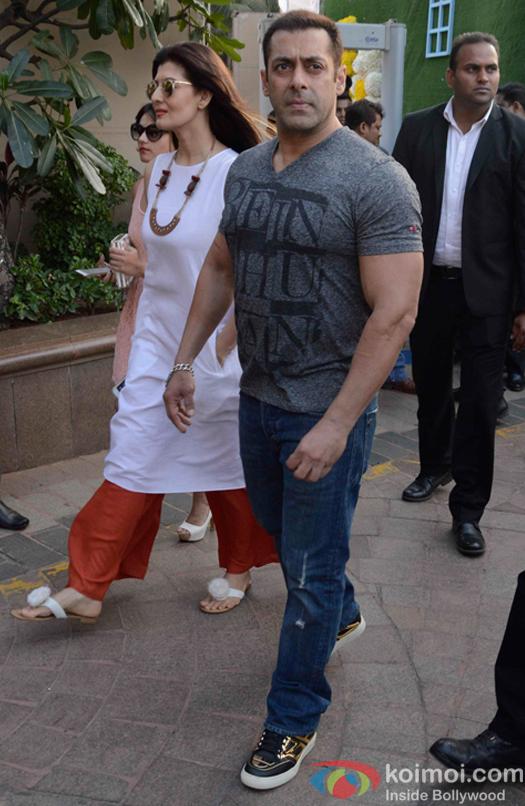 Sangeeta Bijlani and Salman Khan during Arpita Khans baby shower ceremony