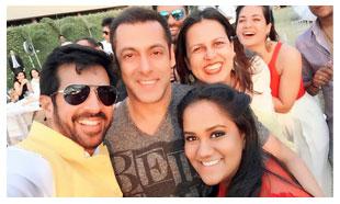 Catch Photos : Salman Khan's Sister Arpita's Baby Shower Ceremony