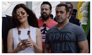 Check Out Salman Khan's Latest Rendezvous With Ex-flame Sangeeta Bijlani
