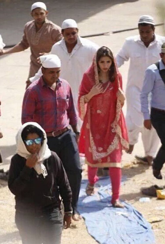 Mahira Khan's Gujarat Shoot For Raees