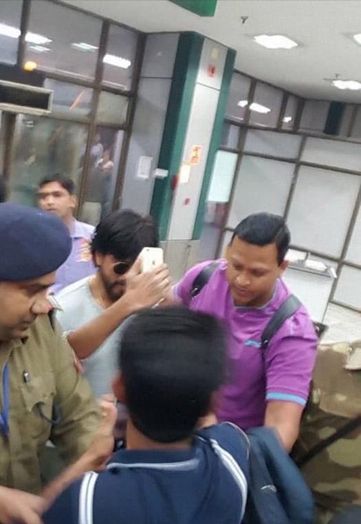 Shah Rukh Khan's Gujarat Shoot For Raees