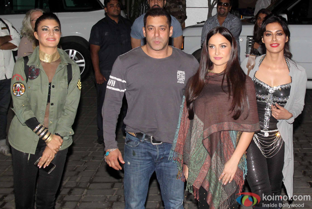 Salman Khan along with Jacqueline fernandez, Elli avram and Chitrangada singh spotted at mumbai airport