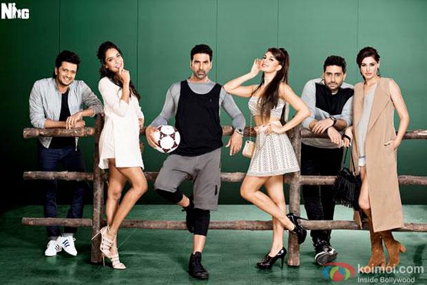 Riteish Deshmukh, Lisa Haydon, Akshay Kumar, Jacqueline Fernandez, Abhishek Bachchan and Nargis Fakhri in a still from 'Housefull 3'