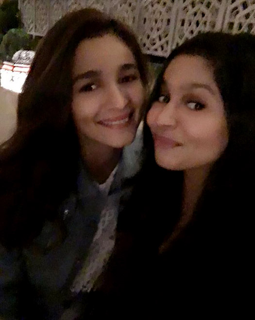 Alia Bhatt snapped celebrating her birthday with sister Shaheen Bhatt