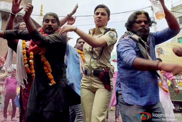 Priyanka Chopra in a Sanke Hai San San song still from Jai Gangaajal