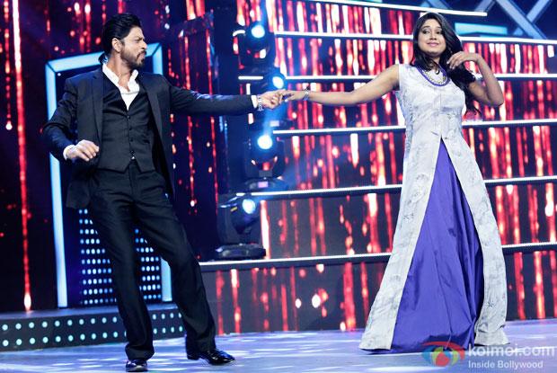 Shah Rukh Khan performing at 8th Mirchi Music Awards