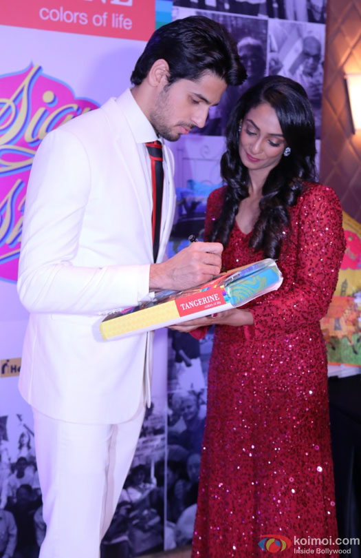 Sidharth Malhotra during the event to help India's old folks by Tangerine