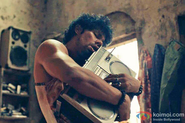 Randeep Hooda in a still from movie 'Laal Rang'