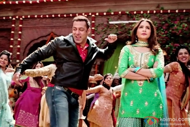 Salman Khan and Anushka Sharma in a Baby Ko Bass Pasand Hai song still from Sultan