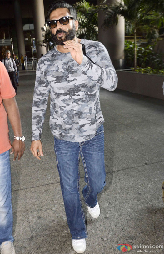 Suniel Shetty Spotted At Airport