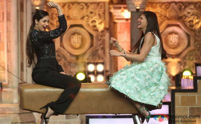 Malaika Arora Khan and Jacqueline Fernandez during the promotion of film 'Housefull 3' on the sets of 'India's Got Talent'
