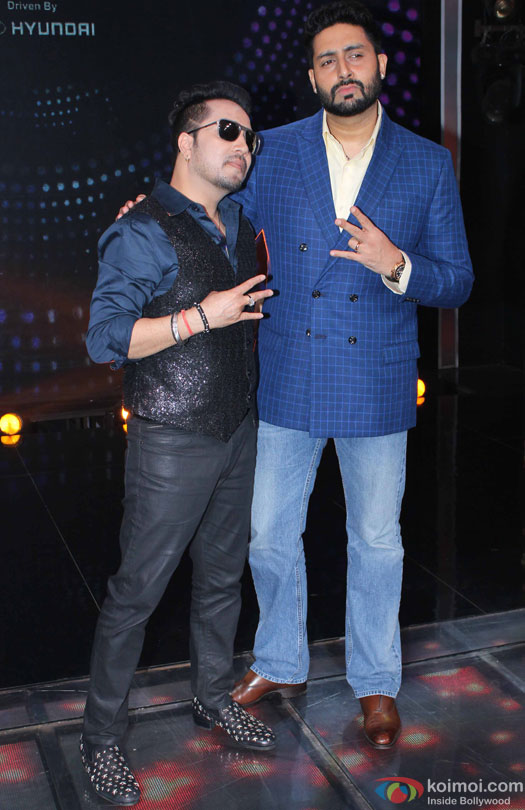 Mika Singh and Abhishek Bachchan during the promotion of movie 'Housefull 3' on the sets of 'Sa Re Ga Ma Pa'