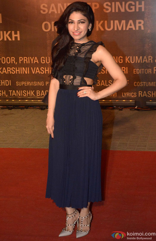 Tulsi Kumar during the Premiere Of Film 'Sarbjit'