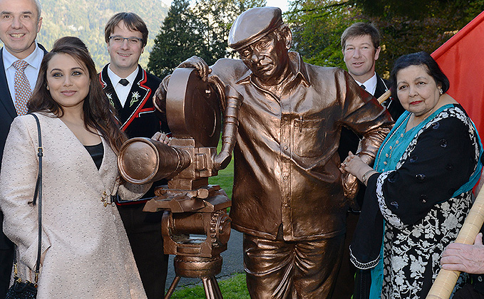Switzerland Keeps The Yash Chopra Legacy Alive By Building His Statue