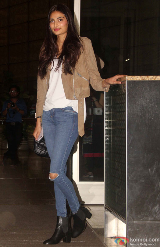 Athiya Shetty at airport leave for IIFA 2016