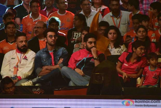 Ranbir Kapoor, Amitabh Bachchan, Kiran rao and Azad Rao Khan during the fourth season of Pro-Kabaddi League 2016