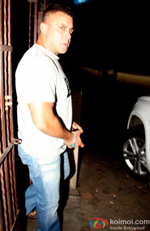 Have A Look At Salman Khan's New Hairdo!