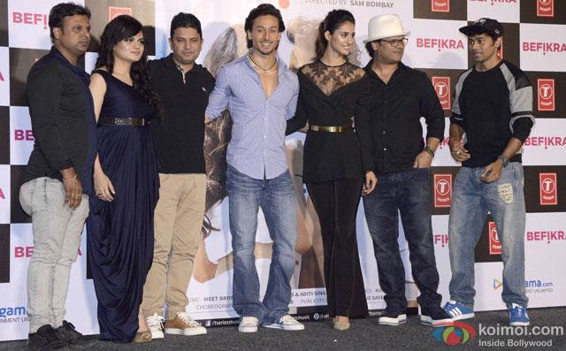 Kumaar, Aditi Singh Sharma, Bhushan Kumar, Tiger Shroff, Disha Patani, Sam Bombay and Paresh Shirodkar during the launch of 'Befikra' Song