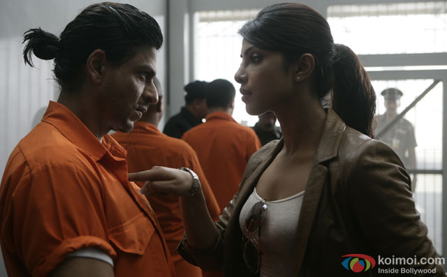 Shah Rukh Khan and Priyanka Chopra in a still from movie 'Don 2'