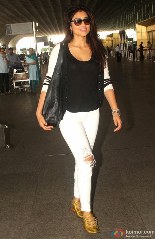 Shriya Saran spotted at Airport