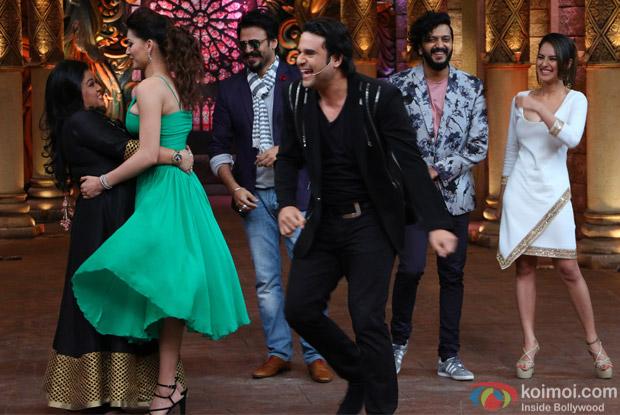 Ritesh Deshmukh, Vivek Oberoi, Urvashi Rautela, Bharti, Puja Bose and Krishna on the sets of Comedy Nights Bachao