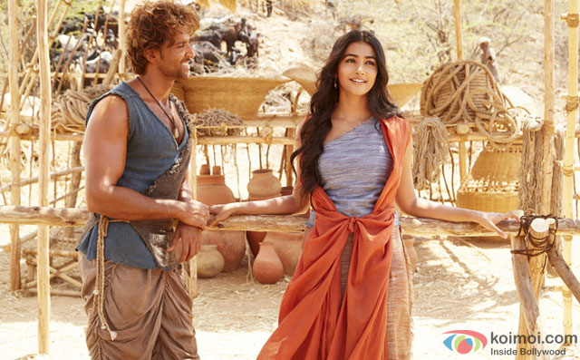 Hrithik Roshan and Pooja Hegde in a still from movie 'Mohenjo Daro'